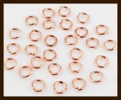50st. Rose Goudkleurige Ringen: Rond 5mm met een dikte van 0.8mm.