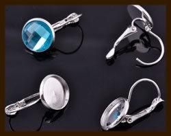 BO06b: Set van 2st. Metalen Klap Oorbellen met Kastje voor 12mm Plaksteen.