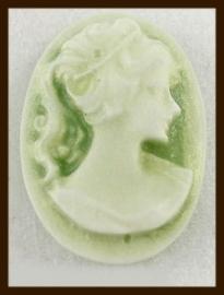 C010: Cabochon Dame van 18x13mm: Groen.