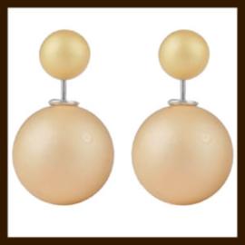 O575: Dubbelzijdige Oorbellen Parel Dof: Goud-Geel.
