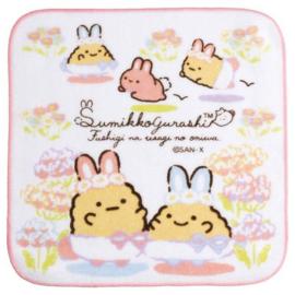 Sumikkogurashi Mysterious Rabbit cloth | pink edge