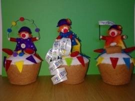 Drie lieve clowntjes op cupcakes