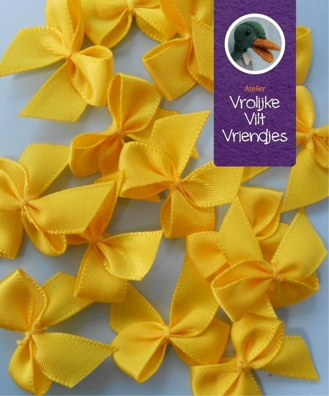 Strikjes geel 3 stuks