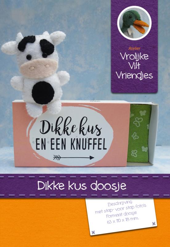 Dikke kus en een knuffel doosje