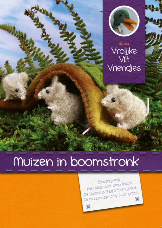 Muizen in boomstronk