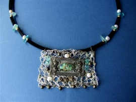 190 Special necklace with green, blue and copper