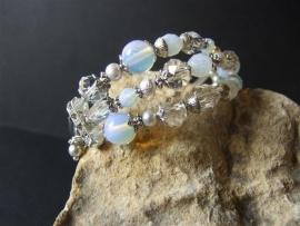 A113  Opaliet en kristal