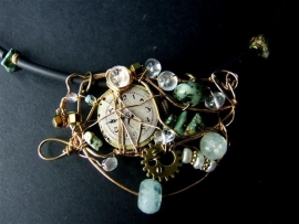 199 Necklace with vintage ornament and gemstones