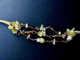 A240 Gele Opaal, kristal en glas.