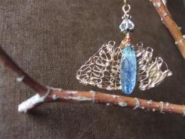 101 Transparent blue Kyanite on a copper base E20,-