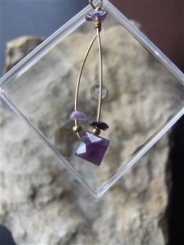 054  Amethyst, gold plated wire E 20,-