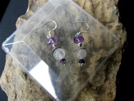 213 Nice  earring with Amethyst stones. E25,-