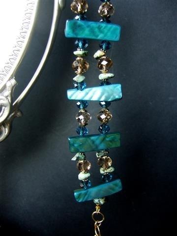 127A Armband van blauw-groen parelmoer, VERKOCHT