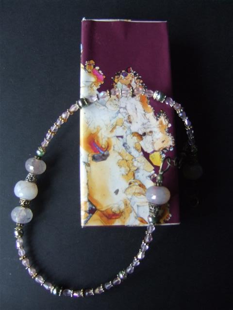 221 Prachtige agaat kralen incl. apart handgemaakt doosje.