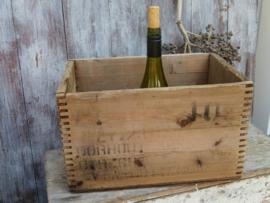 Oude Engelse houten wijnkist