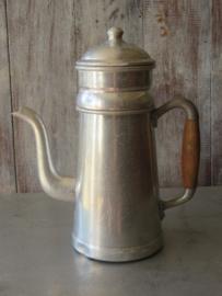 Oude Franse aluminium koffiepot percolator