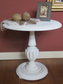 Brocante witte ronde houten bijzettafel