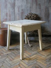 Oud wit brocante houten tafeltje bijzettafeltje krukje