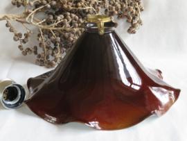 Oud bruin opaline glazen lampenkapje witte binnenkant