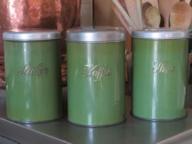 Oude groene emaille voorraadbussen koffie thee suiker