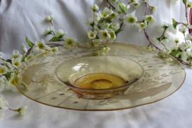 Schaal van fijn geslepen glas, 37,5 cm