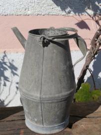 Oude Franse zinken oliekan