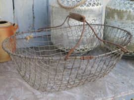 Oude Franse metalen plukmand draadmand