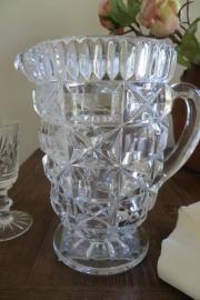 Oude Engelse glazen waterkan