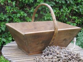 VERKOCHT Oude Franse houten plukmand, 47 cm