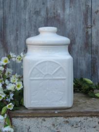 Grote brocante witte aardewerk voorraadpot rumtopf