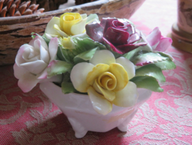 Porseleinen rozenboeket Royal Doulton
