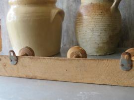 VERKOCHT Oude Franse houten knop kapstok