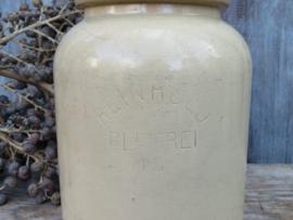 VERKOCHT Oude ronde grespot beige, 16 cm (artikelnr. 60)