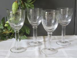 Oude likeurglazen met druivendecor, set van 4 stuks