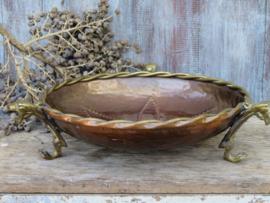 Antieke roodkoperen schaal op klauwpootjes