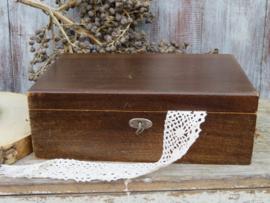 VERKOCHT Oude houten naaidoos