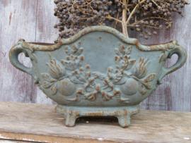 VERKOCHT Antieke Franse gietijzeren jardiniere tuinpot (nr. 2)