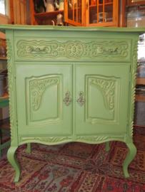 Brocante barok kastje, Swedish green
