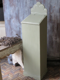 Oud Frans houten stokbroodkastje