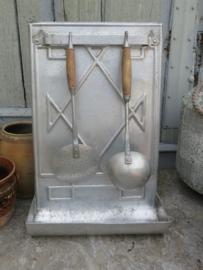 Oud Frans aluminium lepelrek met schuimspaan en soeplepel