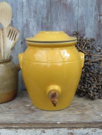 VERKOCHT Franse mosterdgele aardewerk azijnpot  grespot zuurpot met kraantje