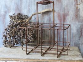 Oud Frans metalen flessenrek