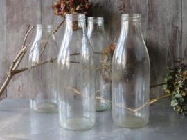 Oude Franse glazen melkfles