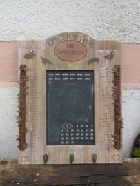 Brocante Frans keukenrek met krijtbord, boodschappenlijst en handdoekenhaakjes