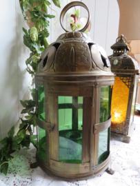 Oude oosterse koperen lantaarn windlicht met groen glas