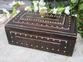 Oud houten kistje sieradenkistje