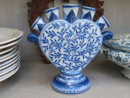 Delftsblauw aardewerk tulpenvaasje handgeschilderd
