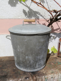 Oude Franse zinken afvalemmer vuilnisemmer wasemmer