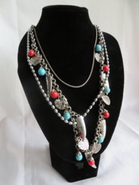 Lange halsketting zilver-rood-blauw
