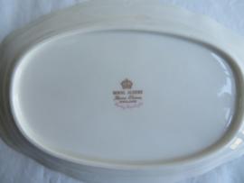 VERKOCHT Ovaal vleesschaaltje Royal Albert Lady Carlyle, 20 cm